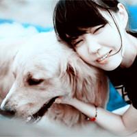 爱狗狗,爱笑笑,爱自己的女生头像