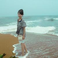 美女卫秦生活中自拍的QQ头像