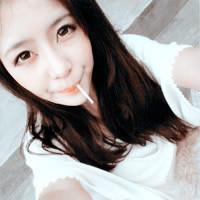 走在时尚前沿的潮女QQ头像:喜欢一个人的感觉