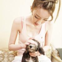 爱狗狗的宅女头像:抓住幸福其实比忍耐痛苦更需要勇气