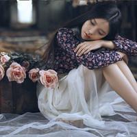 森系风格的忧伤女生头像:我真的很想你,想到我心痛