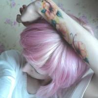 别具一格的染发美女英伦QQ头像图片