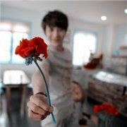 新潮时尚帅哥头像:爱不一定要拥有,有时候痛也很美