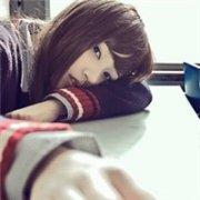 长发妹妹可爱的QQ女生头像:最远的距离,最近的心跳
