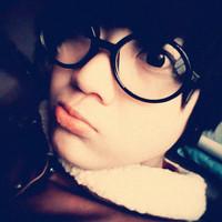 长的很斯文的男生戴眼镜帅气QQ头像