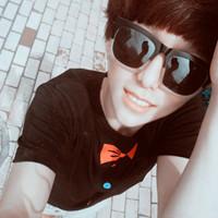黑白+彩色版的真人男生带眼镜的QQ头像