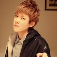 俊美有自信的的韩范男生QQ头像图片