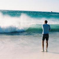 十年前的qq_面朝大海的欧美意境男头像(十八张)