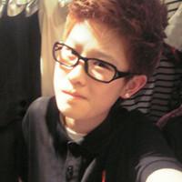 不凉少年戴眼镜的个性头像_零点1度的孤单