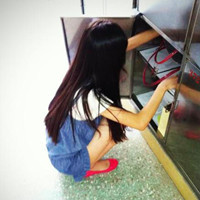 温婉的长发女孩QQ头像_傻傻的做你跟屁虫