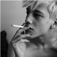 有爱就不觉得累的欧美男生头像_没心没肺的唱着荒凉