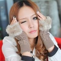 戴手套的女生头像 比较适合冬天用