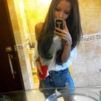 青春美��活力四射的美女QQ�^像 �上的笑容看似真的