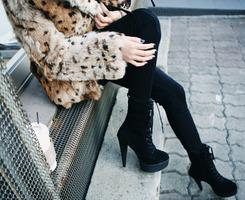 245*200的高清横版高跟鞋QQ头像 女生们的最爱