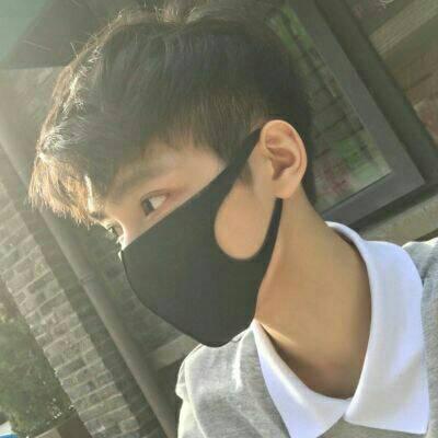 2018最新微信帅哥头像超拽霸气冷酷高傲 在苦海寻欢虽