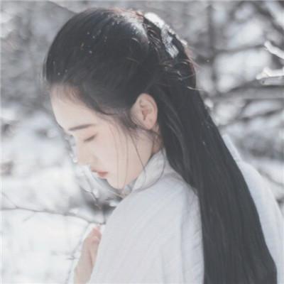 最新版2018唯美女生白衣古风头像 我的心要有多大才能装下你