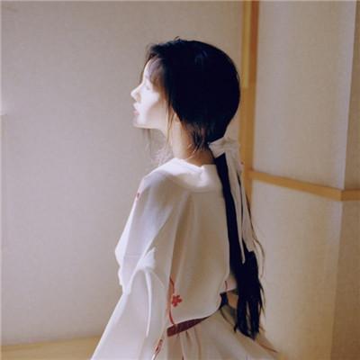 qq伤感失望的头像女生显得孤独 喜欢什么就败给什么