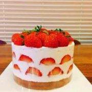 想要一份 草莓蛋糕~