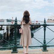 最新版2018小清新女生背影头像 我的情绪突然跌进回忆的坑