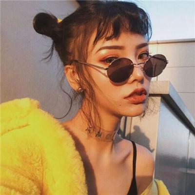2018最潮頭像女生霸氣戴眼鏡 別忘了你本質是個喜歡笑