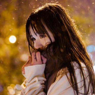 长发侧脸女生头像意境唯美 高冷难过伤感的yy女生头像