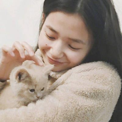 清纯萌妹子女生微信头像2018独一无二 辣条阻止了我当淑女