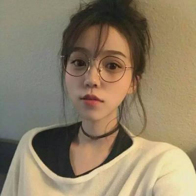 2018流行的佛系女生�^像唯美文� 一��怪味可��girl