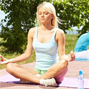 正在练瑜伽的欧美美女头像