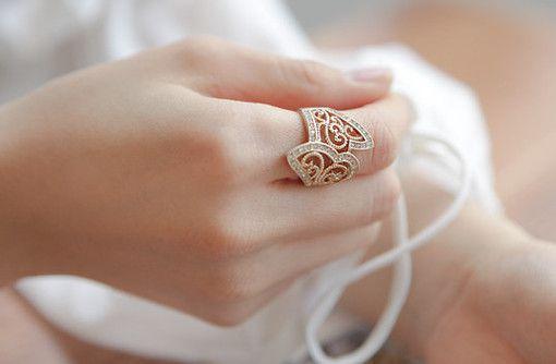 唯美戒指图片,无名指的约定