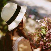 戴帽子的女生头像,青春洋溢帽子控