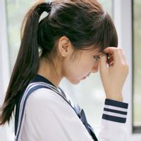 QQ学生头像 穿校服的女生