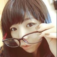 戴眼镜的美女酷头像