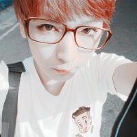 戴眼镜帅哥图片QQ头像
