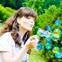 QQ头像女生吹泡泡,女生唯美吹泡泡头像图片