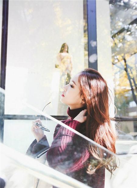 韩国美女气质qq皮肤大图