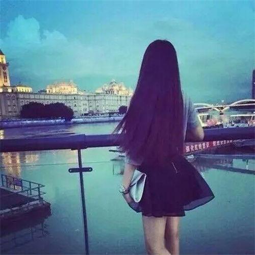 一个人孤单背影图片