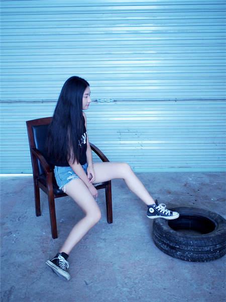 女生照片_90后性感女生美腿图片