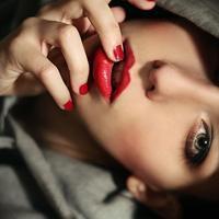女王头像红唇