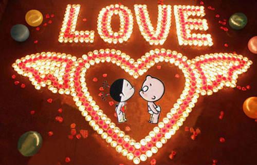 甜美告白心形蜡烛唯美图片 再大的酸楚到了别人那里也图片