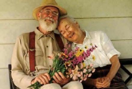 老人夫妻幸福唯美图片