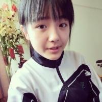 郑绮琪穿着校服的qq头像