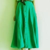 清新好看的绿色裙摆qq头像