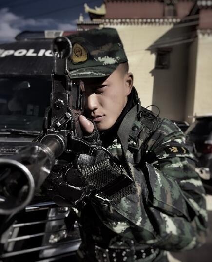 兵哥哥杨明鑫个人资料,杨明鑫穿军装的帅气图片生活照