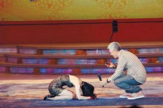 黄圣依下跪拜师赵本山,揭秘赵本山的美女徒弟们都有谁?