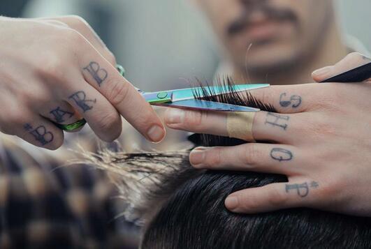 关于剪头发的日记图片