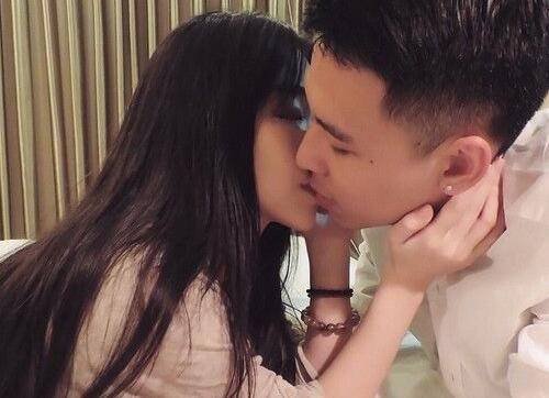 接吻时男生的小动作代表着什么?男生接吻时的小动作都有哪