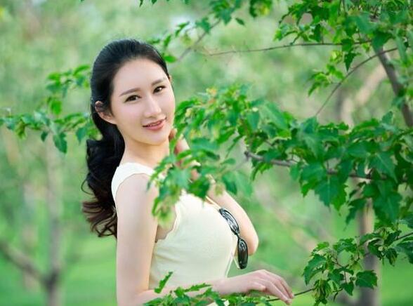 推女郎谭冰人体_亚博app官方下载 美女亚博app官方下载  谭冰vera,中国内地平面模特,推女郎第56期明星模特,毕