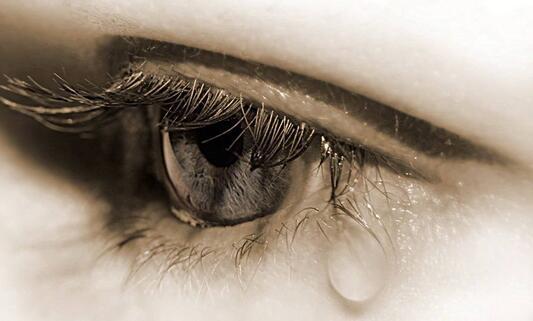 眼泪图片唯美伤感