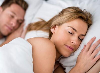 正确的睡觉姿势是怎么样的?正确的睡觉姿势图片